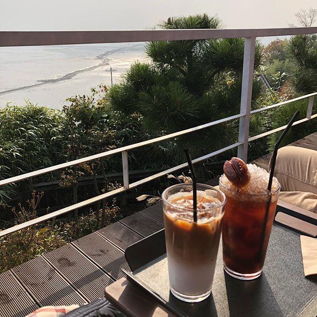 喜歡喝冰的您,來到韓國首爾絕對不能錯過的這5間的特色冰塊咖啡屋!他們家的冰塊可不是普通的冰塊哦!